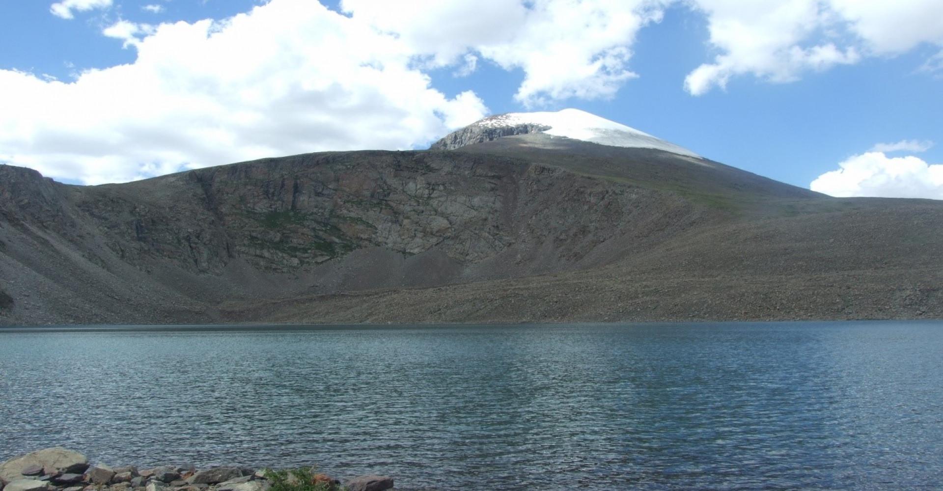 Badar Khundaga Lake