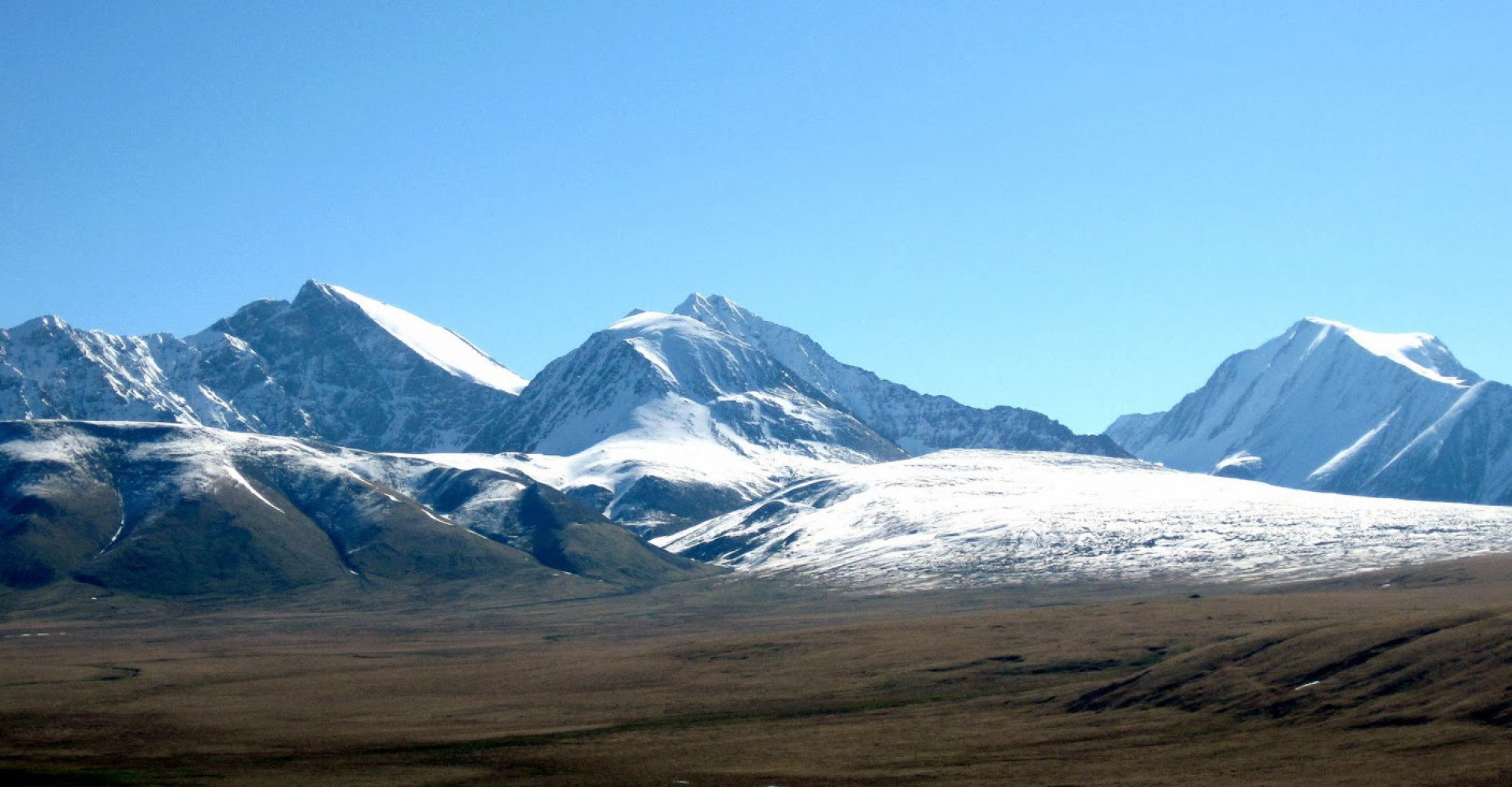 Kharkhiraa and Turgen Mountains