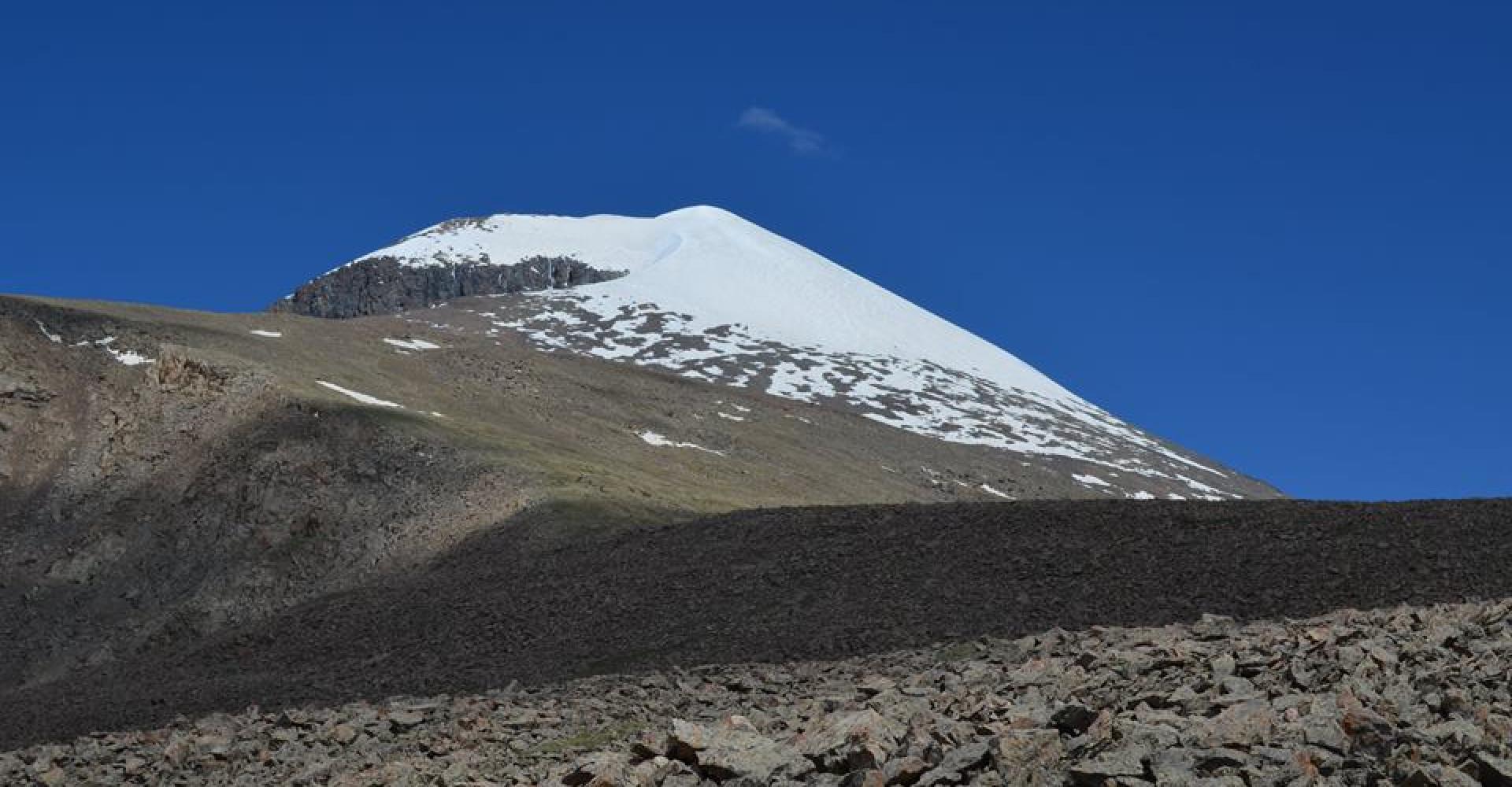 Otgontenger Mountain